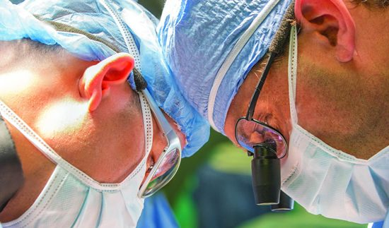 Αγγειοχειρουργός